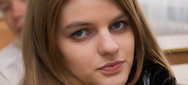 В Одесі пішла на прогулянку та досі не повернулася  додому 17-річна Світлана Висоцька